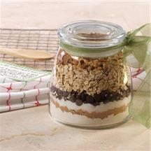 Oatmeal-Chip Cookie Mix in a Jar.