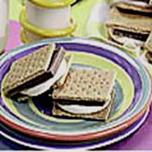 S'Mores That CRUNCH!.
