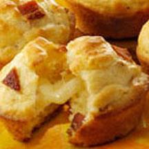 Tunnel of Cheese Muffins with Bacon.