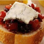 Gorgonzola and Red Pepper Chutney Toasts recipe