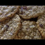 Old-Fashioned Oatmeal-Raisin Cookies recipe